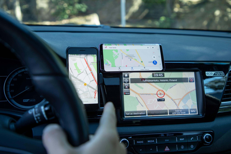 Autonavigaattorit