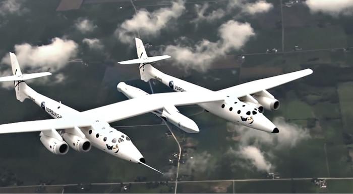 Virgin Galacticin julkaisemalla videolla LauncherOne on näppärästi laitettu White Knight 2:n keskelle. Lentokoneen kannalta SpaceShipTwon lento ja laukaisu avaruuteen ovat periaatteessa samanlaisia, sillä alus karkaa omille teilleen lentokoneen alta noin 15 kilometrin korkeudessa. Turistit tulevat pian takaisin Maahan, mutta satelliitit (toivottavasti) eivät.