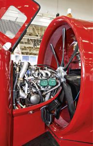 Castello CH5:tä liikuttaa (ja kohottaa) Rotaxin nelisylinterinen, 1,4-litrainen lentokonemoottori.