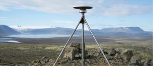 Tämä gps-paikannin Islannissa on osa 62 paikantimen verkkoa, joka pystyy havaitsemaan jopa alle millimetrin vuotuisen maankohoamisen.