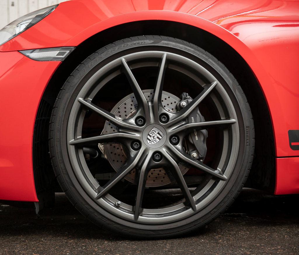 TM-urheiluautovertailu 2019: Porsche 718 Boxster T